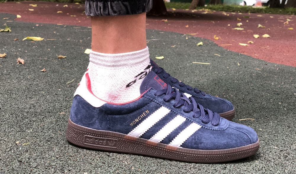 adidas monchen blue white red men