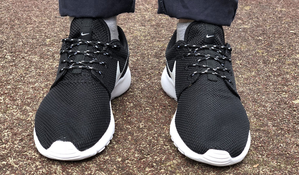 Nike Roshe Run Black/White Mesh Men